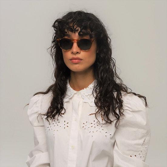 Lavunett designer sunglasses for women with polarised, anti-UVs lenses