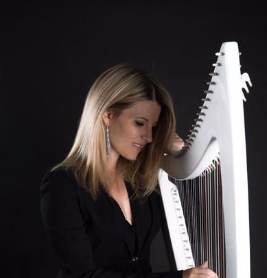 harpe blanche_edited.jpg