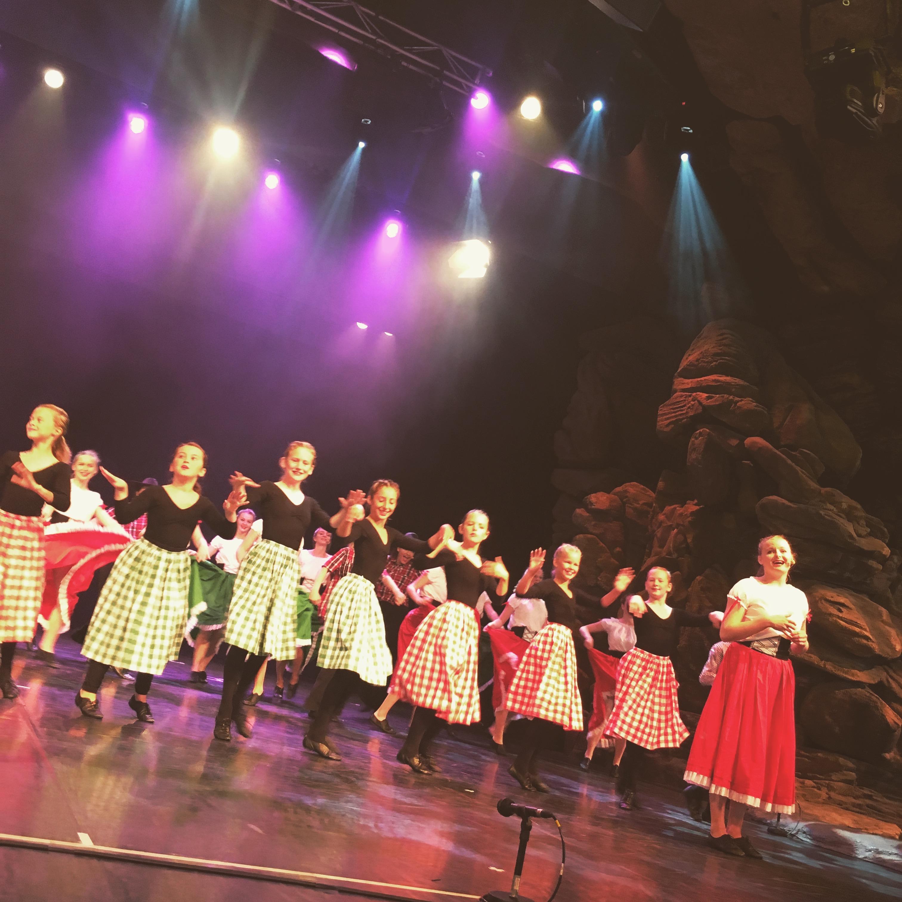 Disney 2017 - Barn Dance 2