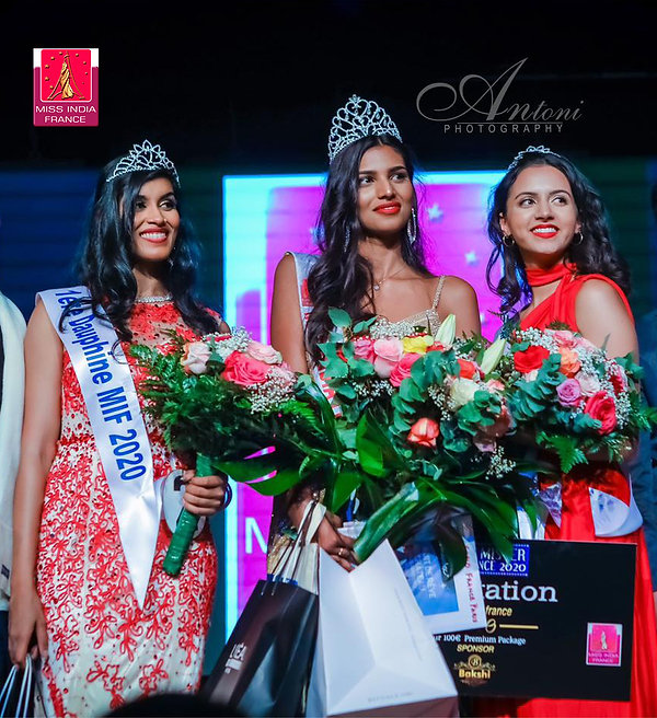 Miss India France 2020 et ses dauphines.