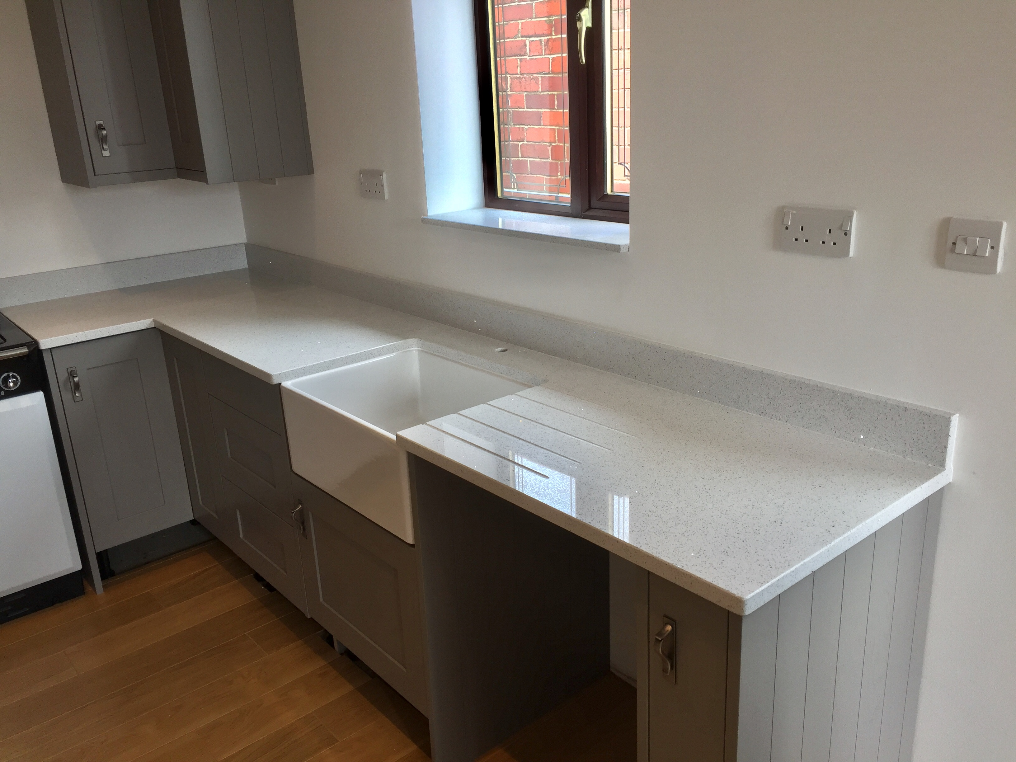 Phoenix Worktops White Starlight1