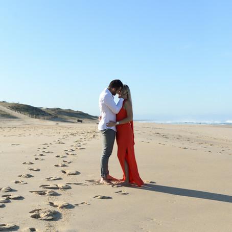 Manon et Sebastien , engagement session a l'ocean