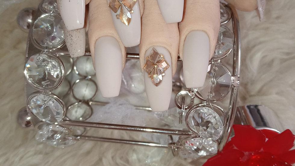 Nudsty Nails