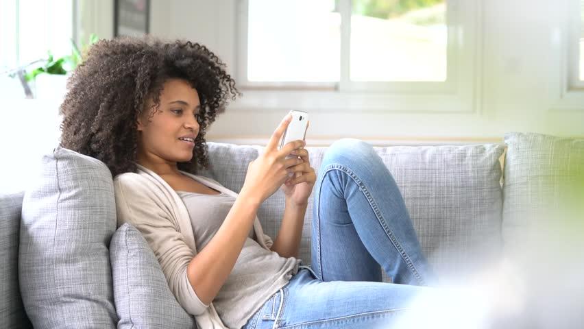 girl-sofa-phone