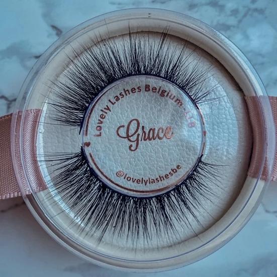 Lash kit Grace (wimpers + eyeliner pen + applicator tweezer)