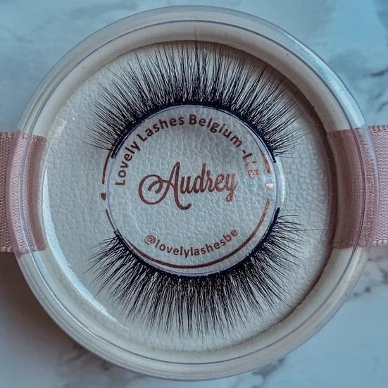 Lash kit Audrey (wimpers + eyeliner pen + applicator tweezer)