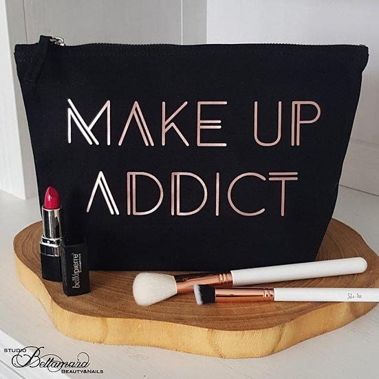 Toiletzak 'Make-up addict'