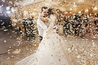 gorgeous-bride-and-stylish-groom-dancing