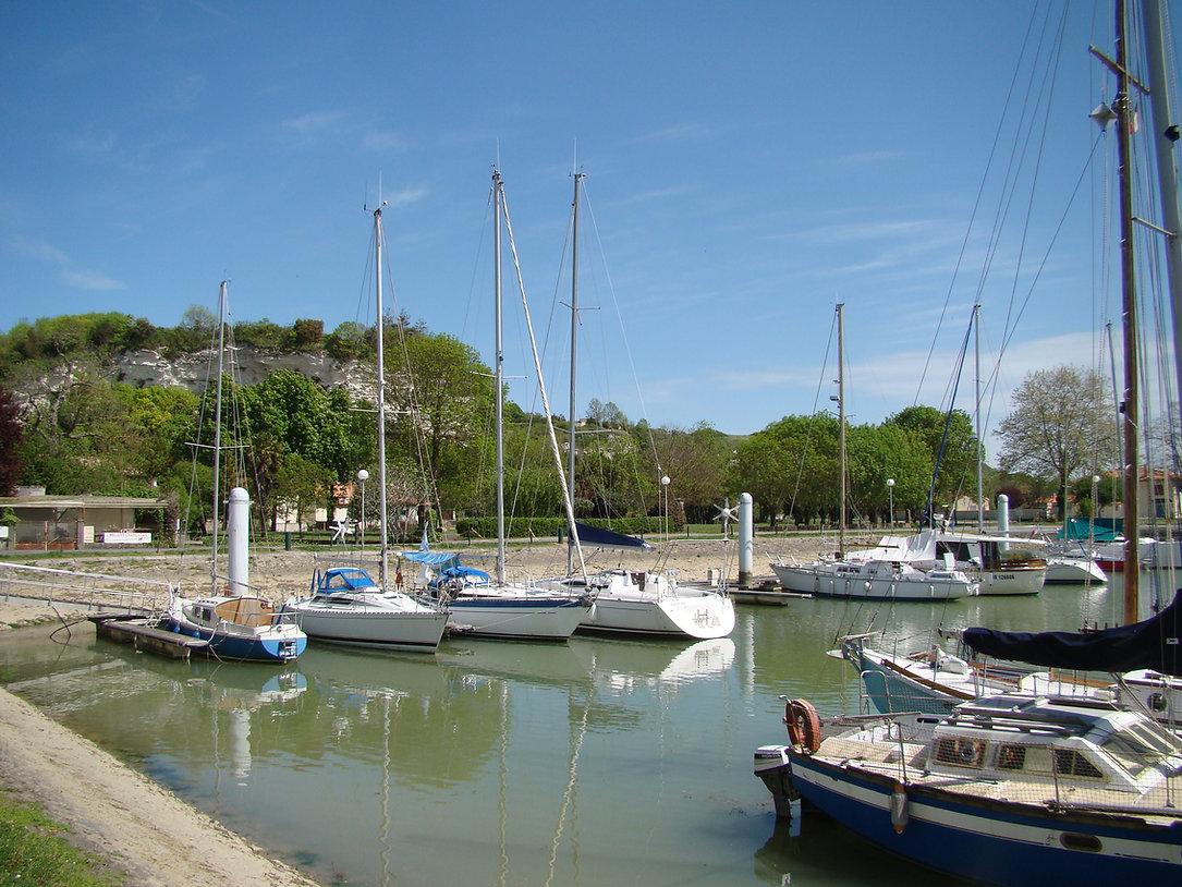 Harbour near Saint Augustin sur Mer