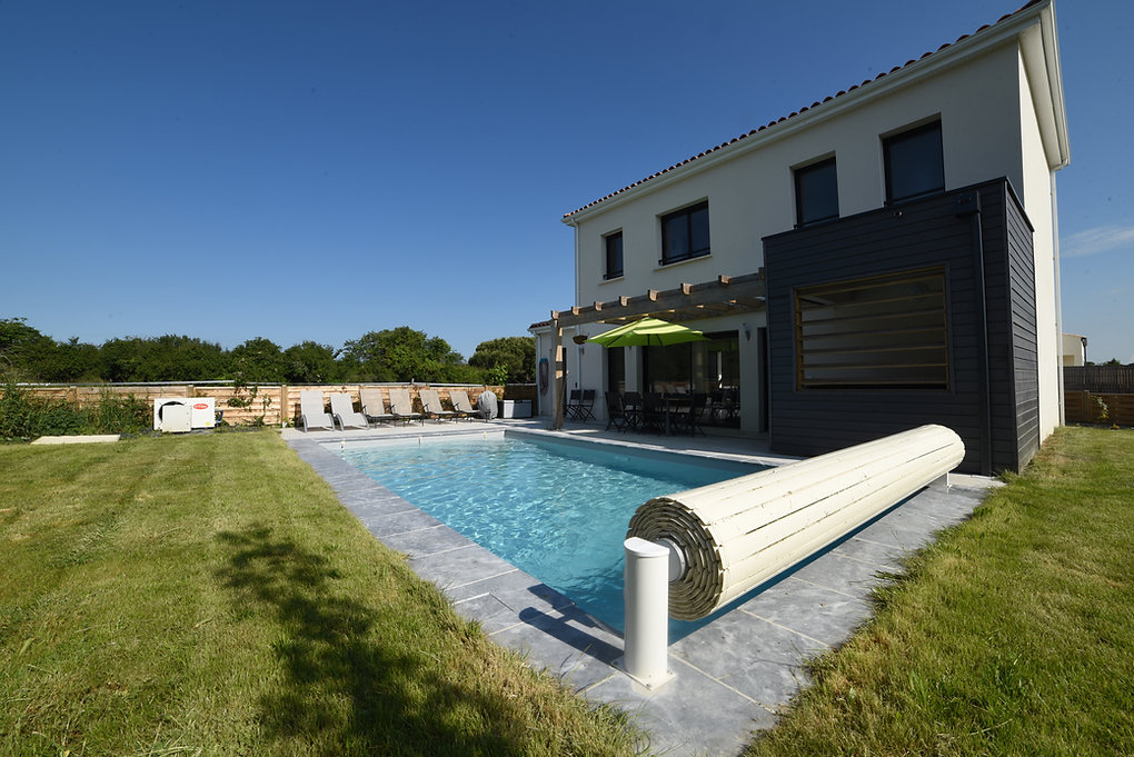 Villa with a pool & jacuzzi in Nouvelle Aquitaine