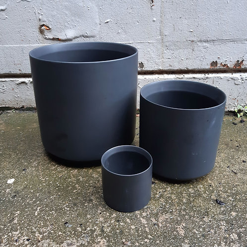 Ceramic Pot Thin Black