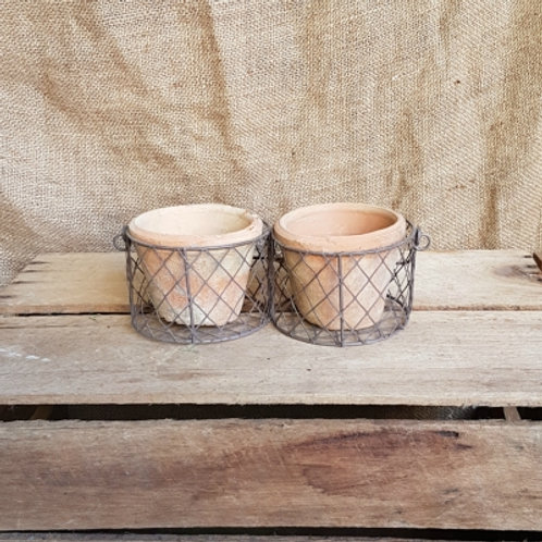 WireBasket with Redstone Antiqued Clay Pot