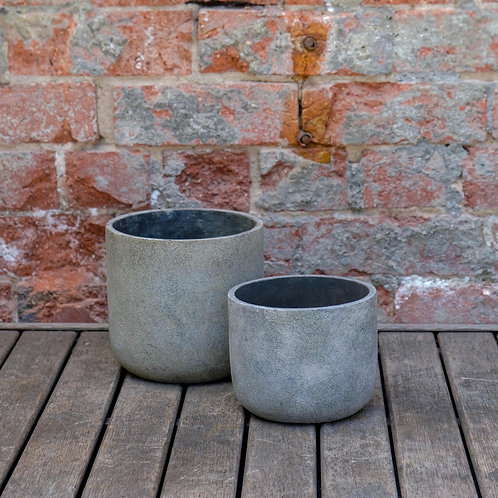 Off-White Concrete Pot