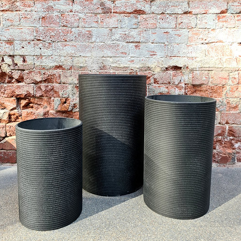 Tall Ribbed Round Granito Black Concrete Pot