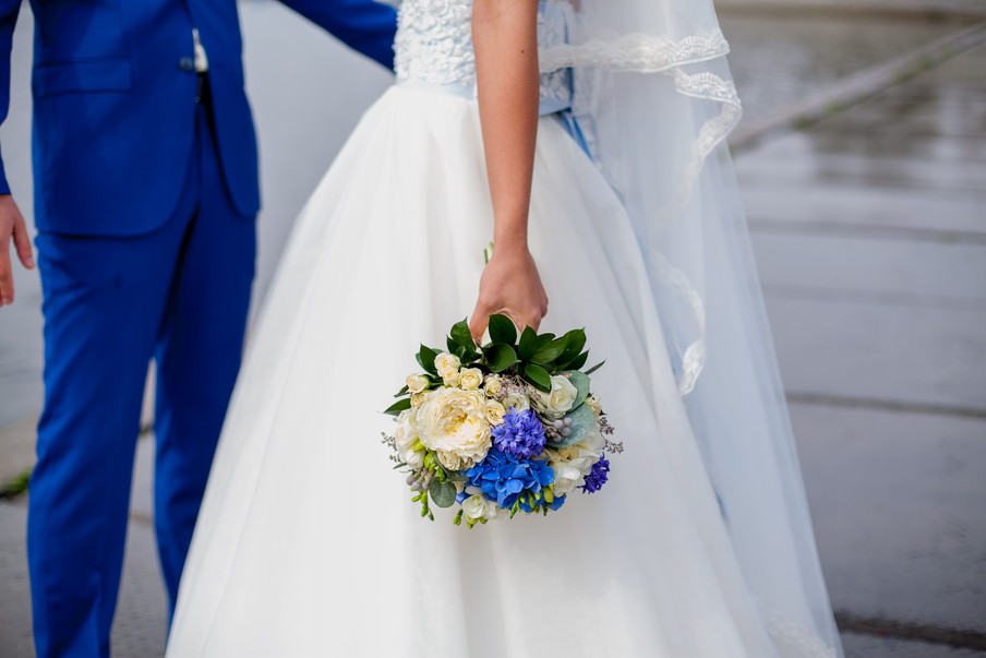 """5 ideas for your wedding with """"something blue"""""""