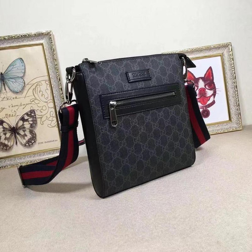 7d531046766b Gucci Courrier GG Supreme Messenger man bag