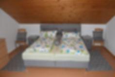 Unsere Ferienwohnung - Schlafzimmer1