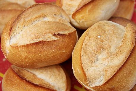 bread-3467243_1920.jpg