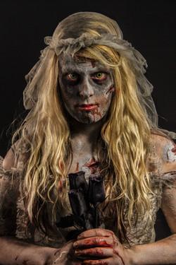 WEBVERSIONQUALITYRobyn-Closs-zombie2191