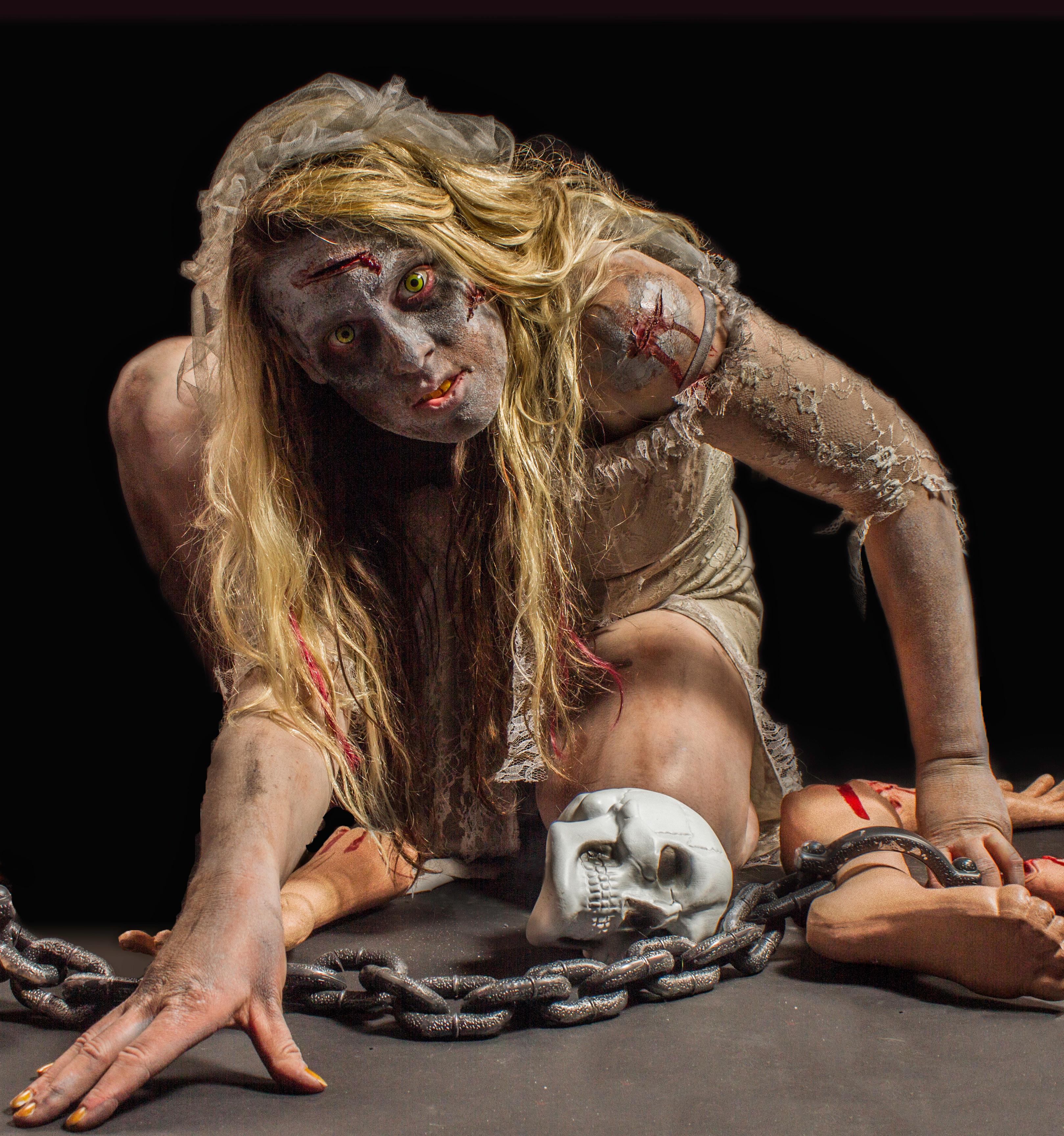 WEBVERSIONQUALITYRobyn-Closs-zombie2133