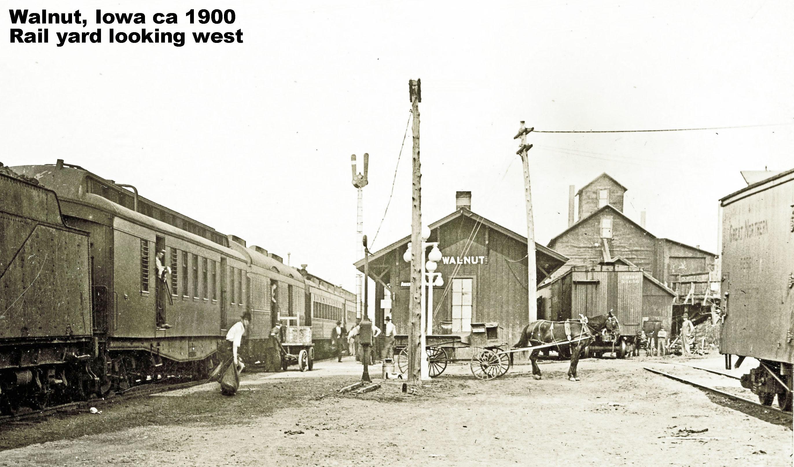 1900 train arrives