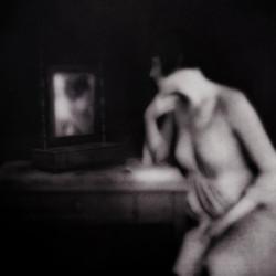 At De Mirror