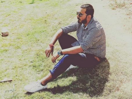 4 White Sneakers under INR 2500: by Abhik Chatterjee