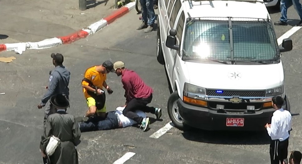 Journalist Moshe Blau was brutally attacked by the police and arrested