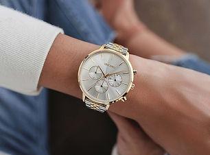 best-women-watches-vincero-affordable-luxury-luxe-digital.jpg