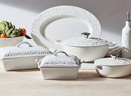 le-creuset-olive-branch-embossed-platter