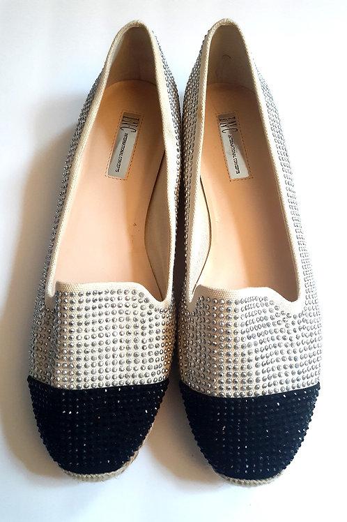 Two-Toned Flat Shoe