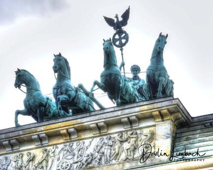 StatueBradenburgGate.jpg