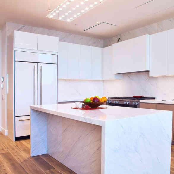 Custom Kitchen Cabinets in High Gloss