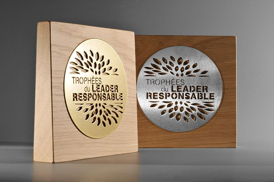 WOODEN TROPHIES WITH PLATING