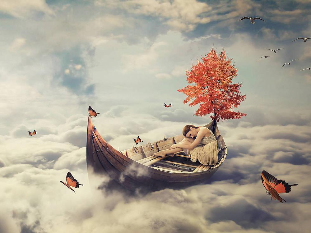 Mujer soñando en barca