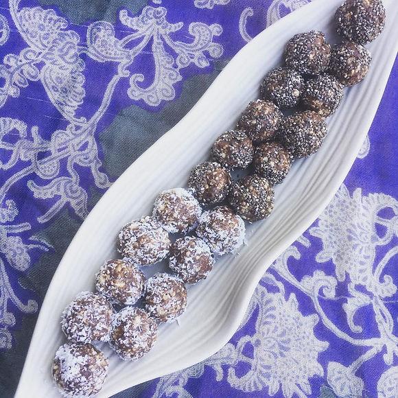 chocolate date balls.jpg