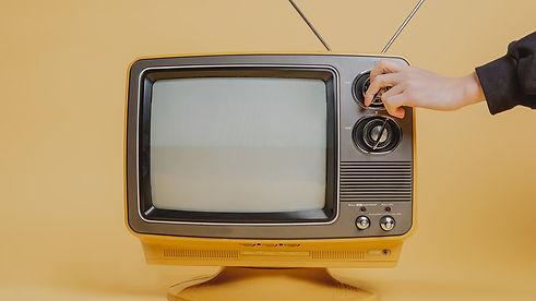 190626_tuning-a-vintage-television-set.j