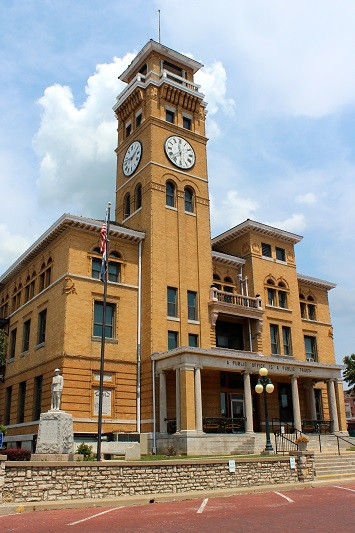 Historic Cass County Court House in Harrisonville, MO - Location of the Cass County Delinquent Tax Lien Sale