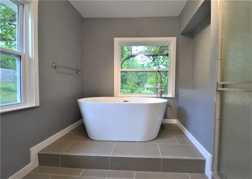 6108 Northern Ave., Raytown, MO 64133 - bathroom bathtub