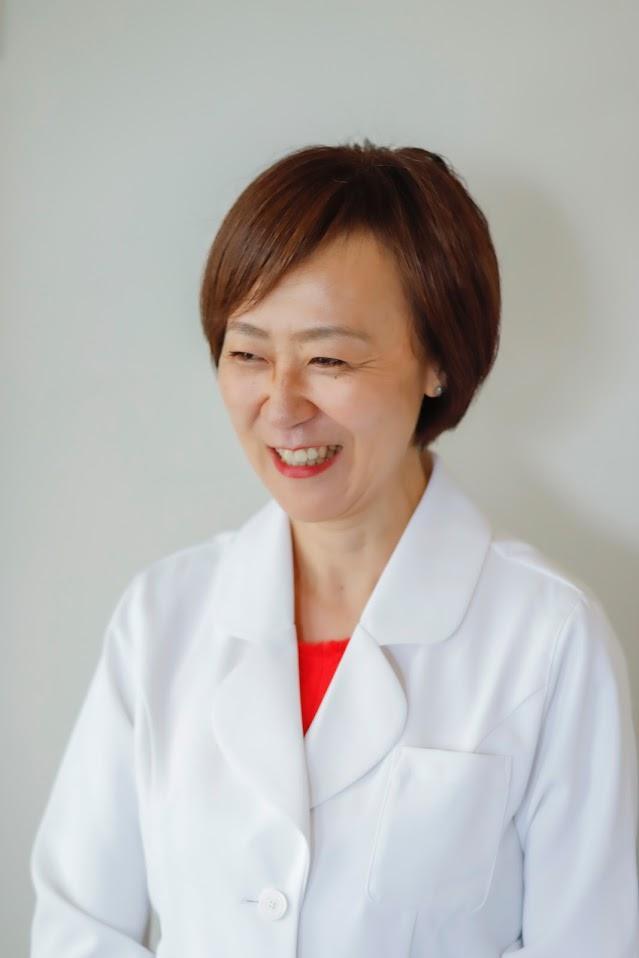 EMI HANDA M.D.
