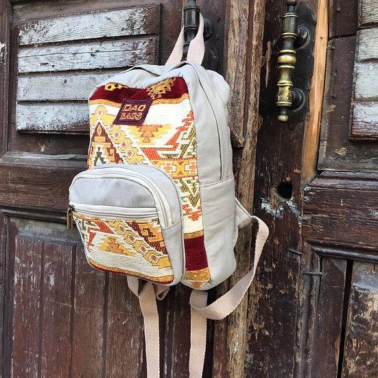Etnik dokuma sırt çanta