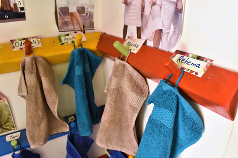 Individual hand towels