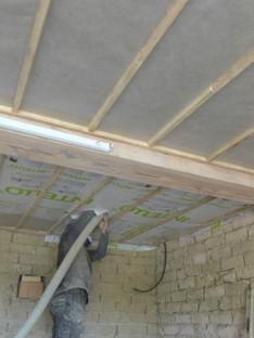 Souffler de la ouate au plafond