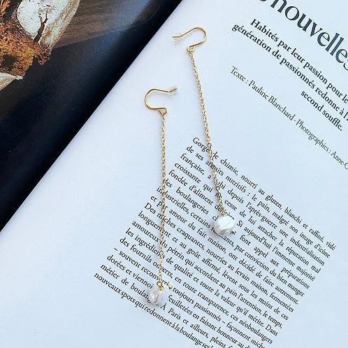 Bcoucles d'oreilles°Long chaîne perle de culture baroque