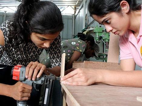 #makersgonnamake #Makersadda #iammaker  #makercommunity  #makersmantra #alagangle #woodworking #nailgun