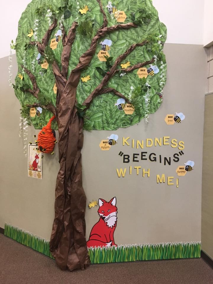 Kindness Beegins with Me Tree