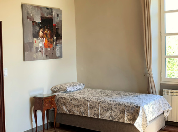 Biru - single bed