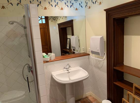 Biru bathroom 1