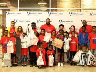 Vernon Carey Foundation Hosts 6th Annual Holiday Mall Shopping Spree