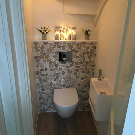 Toilet onder trap KJW Bouw Project: Haarlem